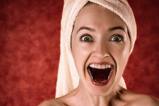 wybielanie martwego zęba